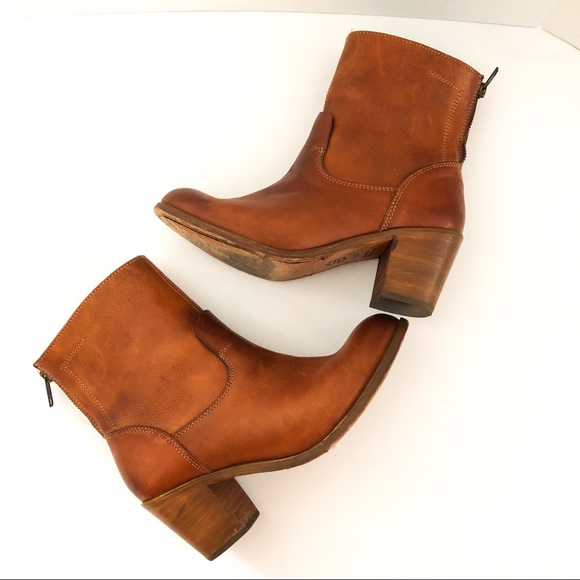 c3378d153 Dolce Vita Shoes - {DOLCE VITA} Golden Brown Leather Booties Zippers